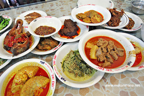 Sedapnya Makanan Khas Minang Uni Emi Bobby Wongso Medium