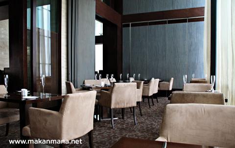 interior aryaduta the kitchen