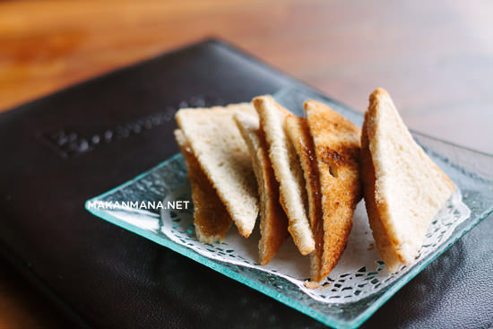 Thin Toast with Butter Kaya (IDR 10)