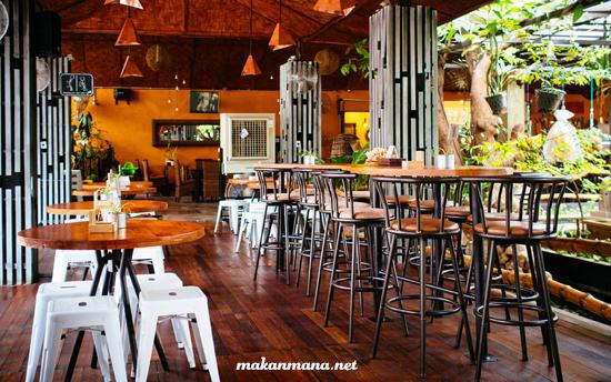 Interior the bhinneka society