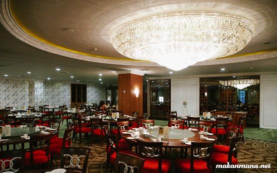 interior the palace emerald gareng