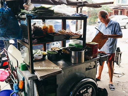 acek sate kacang jalan yose rizal Sate Kacang & Gado gado, jalan Yose Rizal