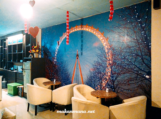 Interior de map cafe jalan asia