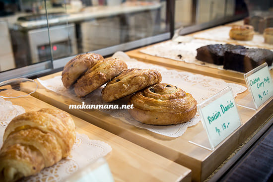 Makanmana new york cafe