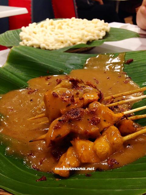 Sate Padang Ayam Alfresco