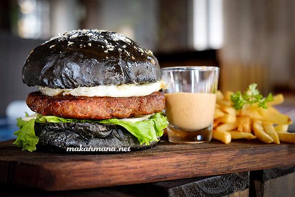 Posh Cafe black burger