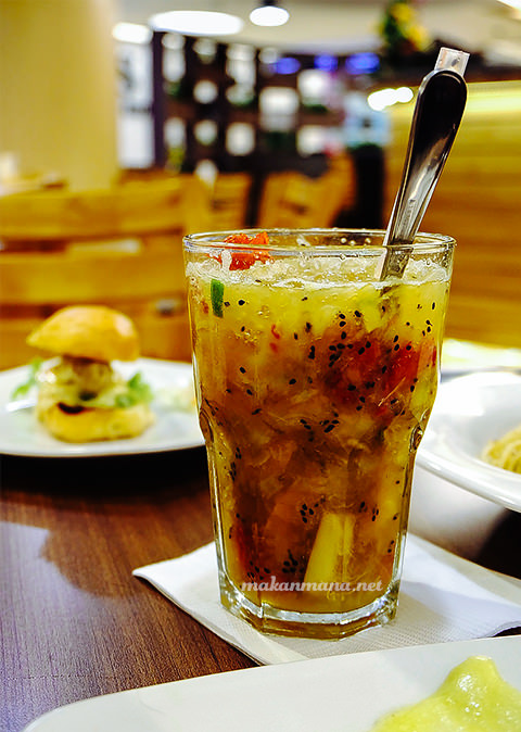 Tropical-Fruit-Societe-Kitchen