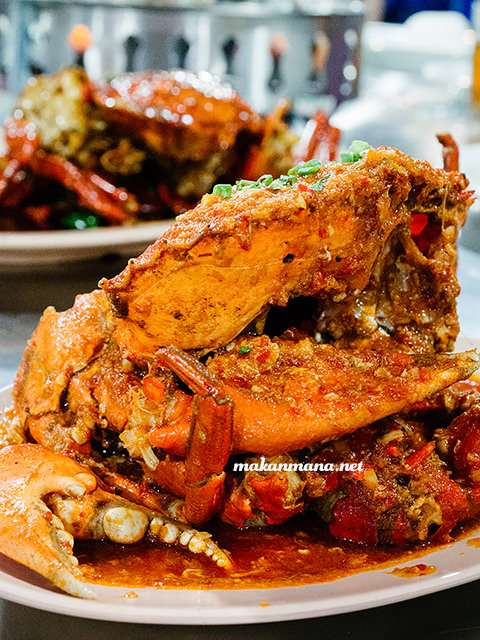 Kepiting Saos Padang Sondoro Fish Market & Seafood Restaurant