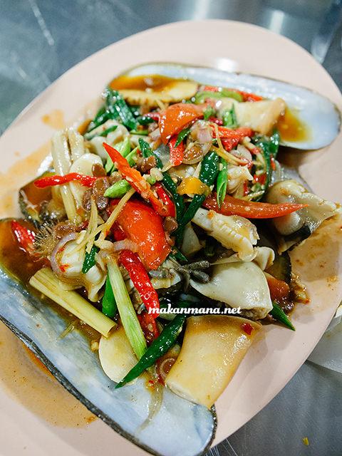 Kerang bambu tauco Sondoro Fish Market & Seafood Restaurant