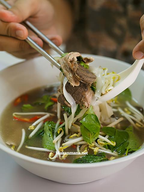 Vietnamese Beef Noodle (32rb)