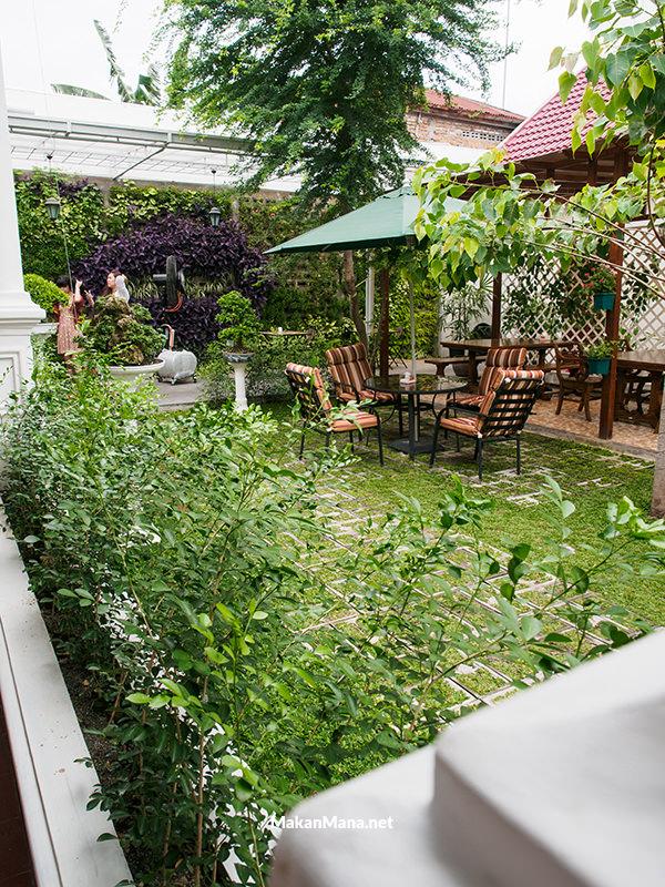 beer garden medan