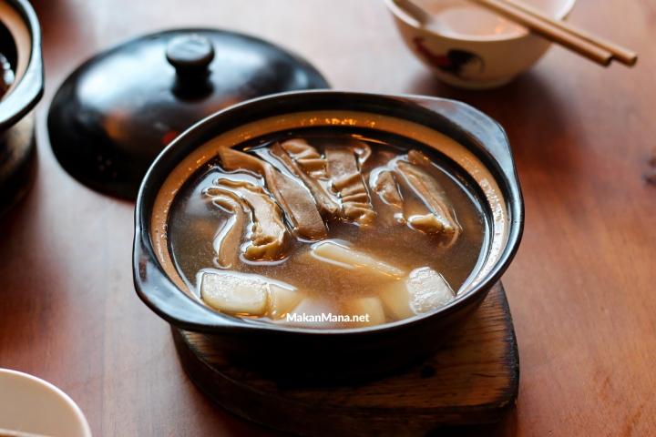 Sup Perut Babi Merica Putih (Singapore Style Bakuteh)