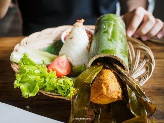 nasi bambu