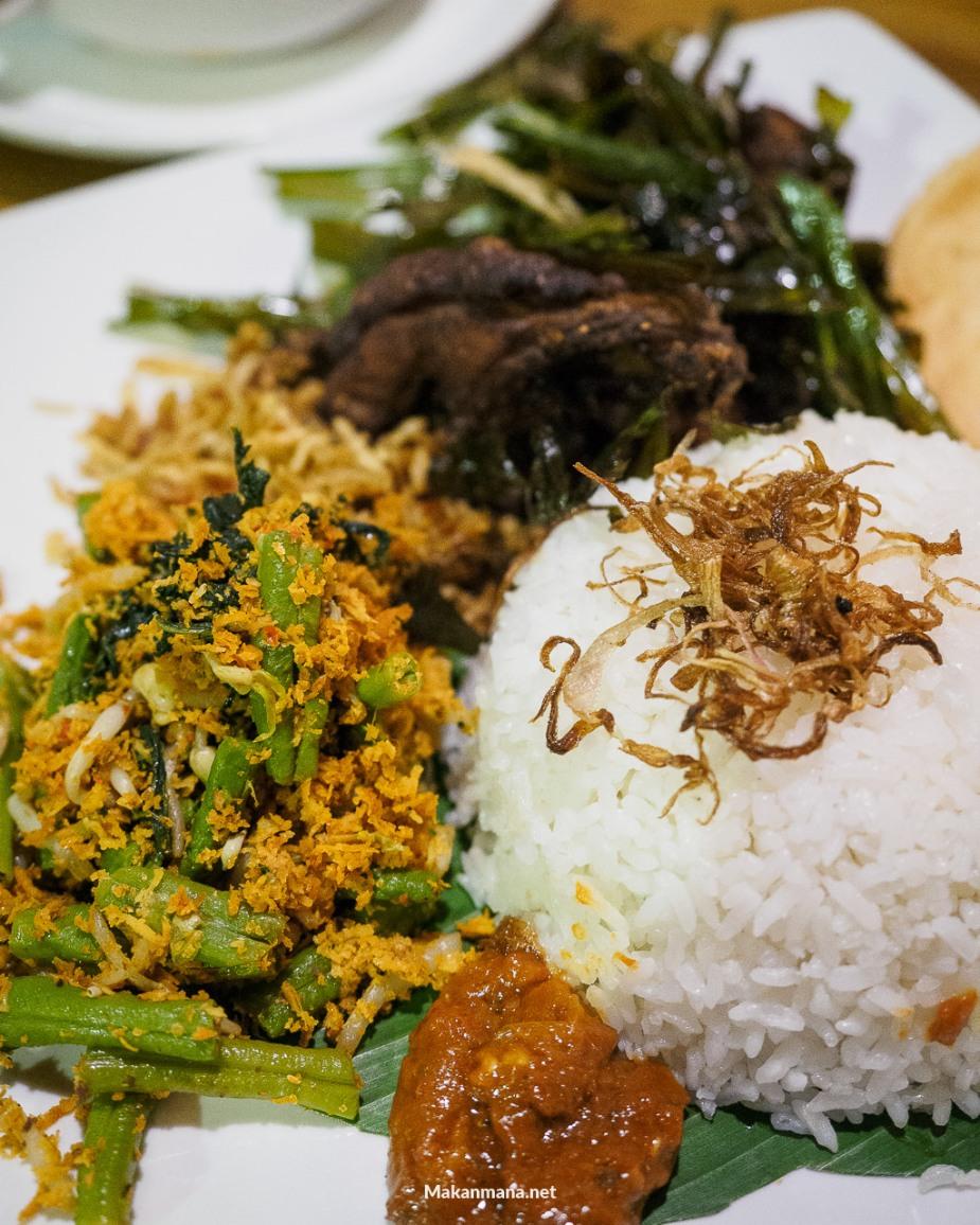 Nasi Ayam Goreng Semak