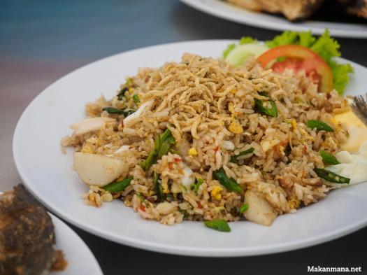 nasi-goreng-kampung-seafood-raja-laut