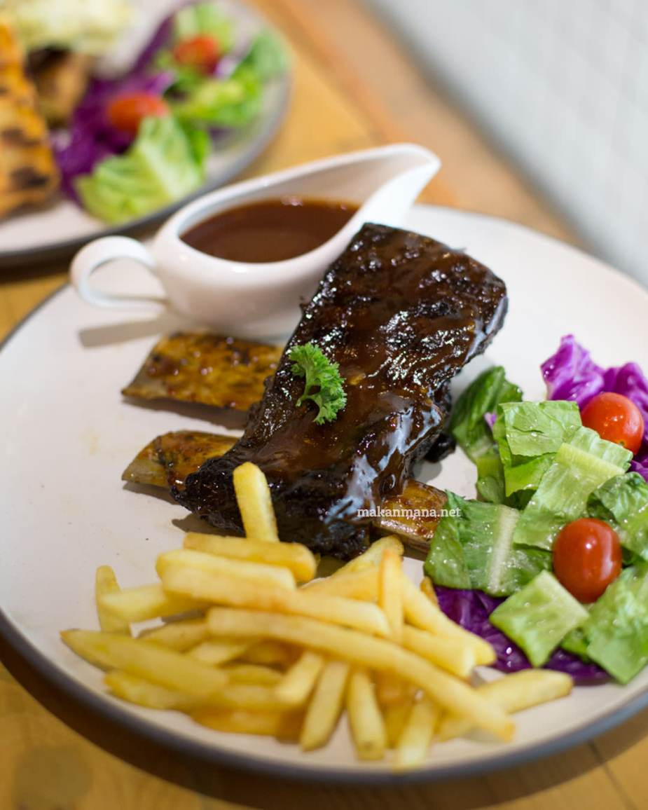 pilastro-grilled-ribs-with-bbq-sauce