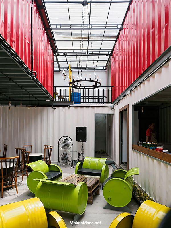 2015-cafe-in-medan